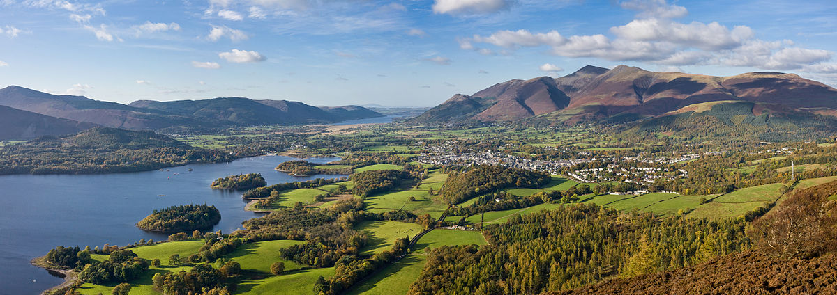 """Keswick Panorama - Oct 2009"" by Diliff - Own work. Licensed under CC BY-SA 3.0 via Wikimedia Commons"