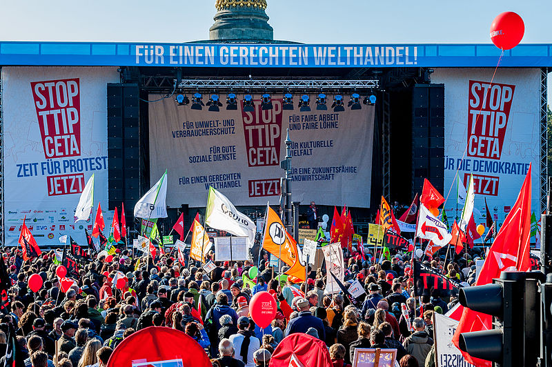 foodwatch, STOP TTIP CETA 10.10.2015 Belin, CC BY-SA 2.0